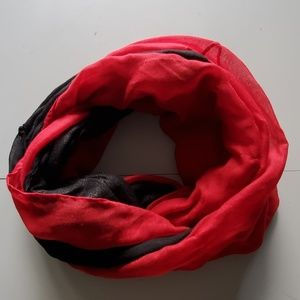 Accessories - 2 infinity scarves